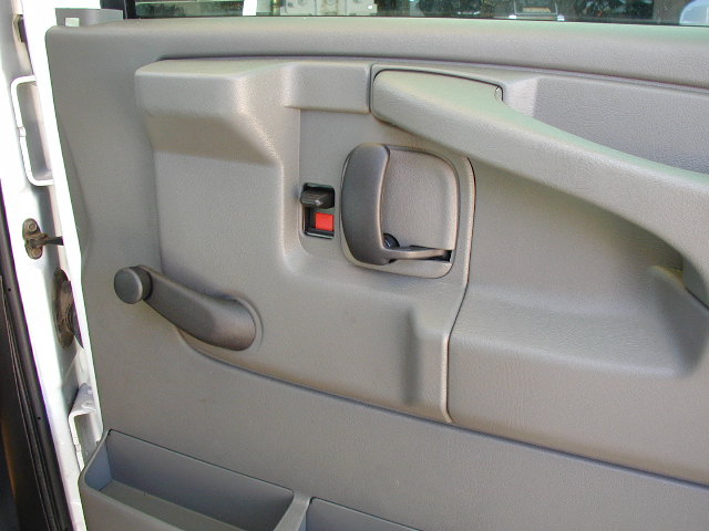 How To Get The Rear Cargo Door Panel Off On A Chevy Express Autos Post
